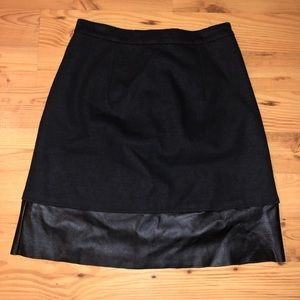 Sinclaire 10 Skirts - Black Miniskirt with Leather Detail
